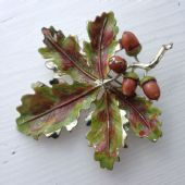 Oak Leaf Brooch signed 'Exquisite -1960's -    Leaves and Acorns Pin  (SOLD)